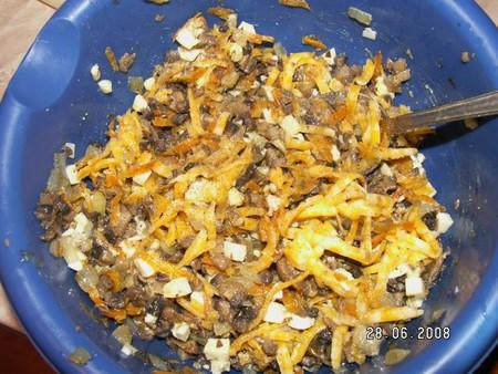 Рецепт фаршированных кальмаров с грибами и сыром — фото 4