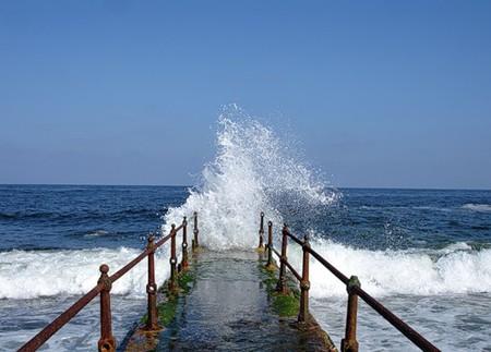 Александрия, омывающаяся Средиземным морем, понравилась своей не Египетской красотой и индивидуальностью. Город Александра Македонского манит и заставляет вспоминать его с хорошей легкой грустью...