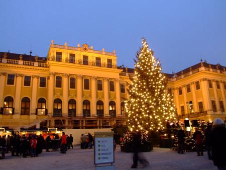 Рождественский рынок перед Шенбурнном