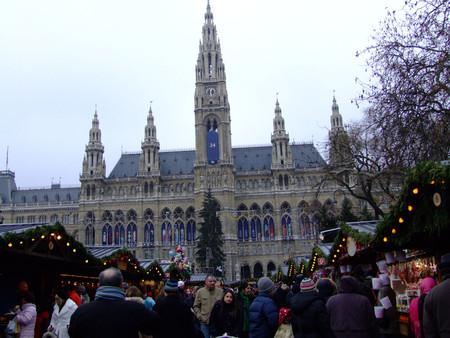 Рождественский рынок у мэрии
