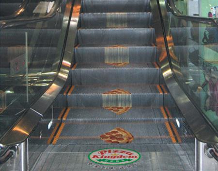 Реклама на лестницах и эскалаторах — фото 3