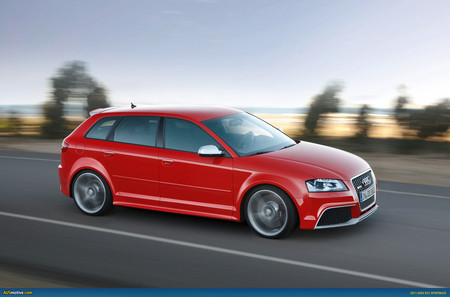 Audi RS 3 Sportback - компактный и мощный — фото 3