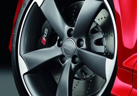 Audi RS 3 Sportback - компактный и мощный — фото 4