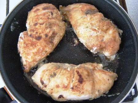 Куриные грудки, фаршированные сморчками — фото 10