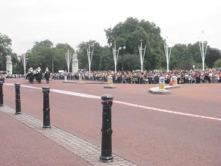 Смена караула возле Букингемского дворца