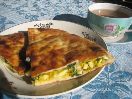 Грузинский пирог с начинкой из тархуна — фото 1
