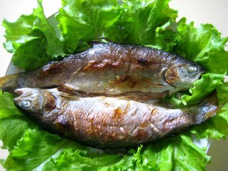 Жареная в духовке рыба с молоденькой картошечкой — фото 8