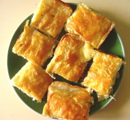 рецепт пошагово с фото хачапури из слоеного теста с сыром