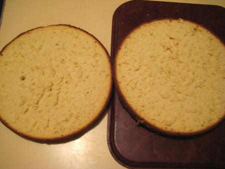 Клубничный бисквитный торт — фото 11