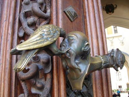 ручка входной двери в замок