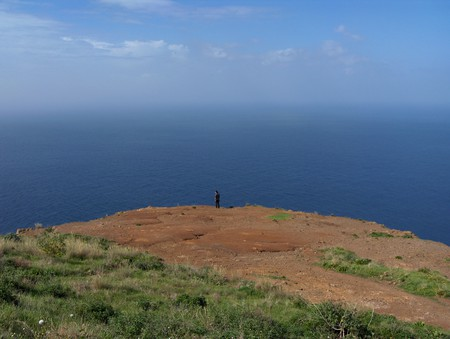 на десерт — обрыв над океаном, на западе острова, недалеко от Понта да Парго — фантастика!