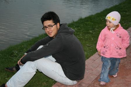 даже маленькие дети не в силах оторвать взгляд от кофты :)
