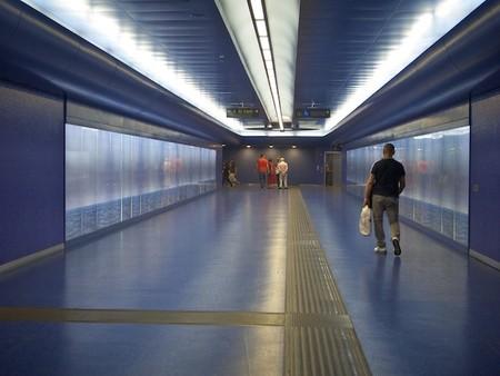 Стихия света и воды: Феерическая станция метро Toledo Metro Station — фото 5
