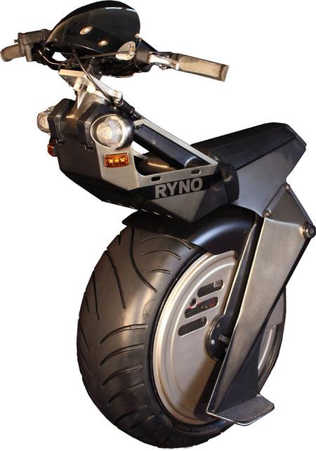 """""""Микроцикл"""" развивает скорость до 28 км/час"""