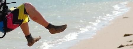 В кевларовых носках можно заниматься такими активными видами спорта, как полеты на параплане...