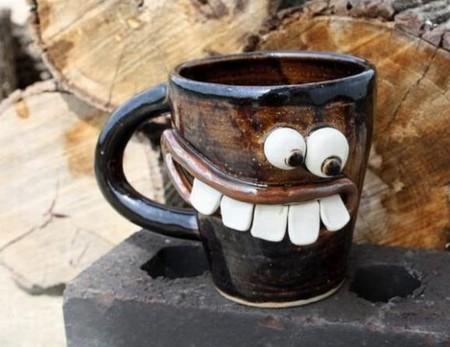 С такими чашками и чай пить веселее )