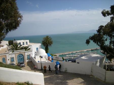 Бело-голубой арабский поселок — Сиди Бу Саид