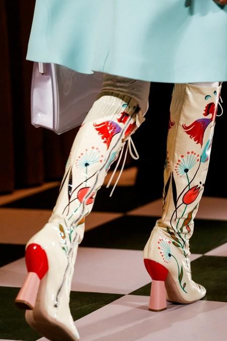 Необычное сочетание цветов, бабушкины колготки и тонкая вышивка бисером - коллекция Miu Miu  2014 — фото 45