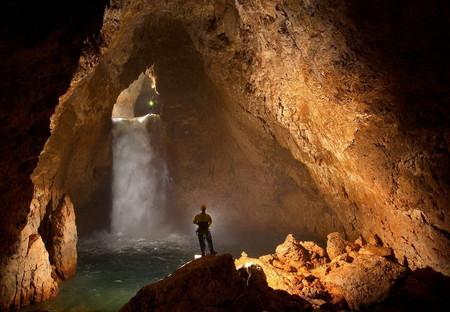 Воды пещеры пополняют запасы воды самой короткой реки в мире — Репруа