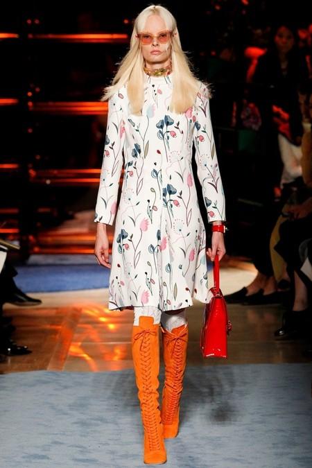 Необычное сочетание цветов, бабушкины колготки и тонкая вышивка бисером - коллекция Miu Miu  2014 — фото 8