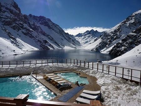 Подборка самых красивых зимних бассейнов на известных горнолыжных курортах мира — фото 4