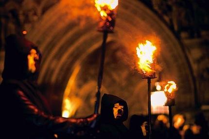 В Шотландии самым популярным местом в этот праздник является Мэри Кинг в Эдинбурге