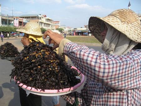 Тарантулы, запеченные на углях