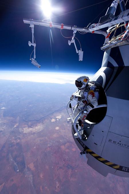 Совершен самый высотный прыжок в мире — фото 23