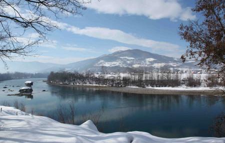 Домик на реке - идеальное место для уединения — фото 9