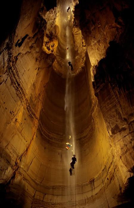 Погружение в эту пещеру, наверное, покруче любого аттракциона