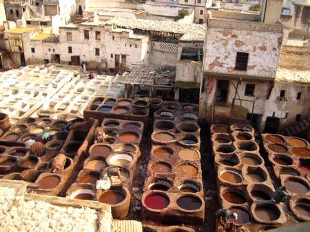 Традиционное производство марроканцев — покраска кожи