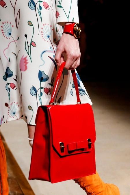 Необычное сочетание цветов, бабушкины колготки и тонкая вышивка бисером - коллекция Miu Miu  2014 — фото 17