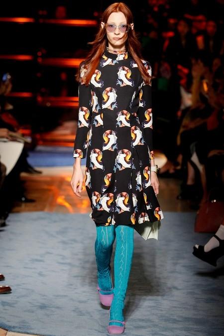 Необычное сочетание цветов, бабушкины колготки и тонкая вышивка бисером - коллекция Miu Miu  2014 — фото 6