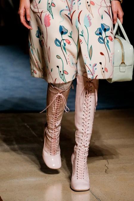 Необычное сочетание цветов, бабушкины колготки и тонкая вышивка бисером - коллекция Miu Miu  2014 — фото 43