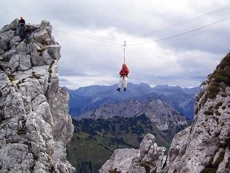 Желающие имеют возможность пройти курс обучения в настоящих горах