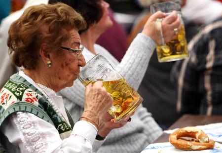 Бабушки не отстают