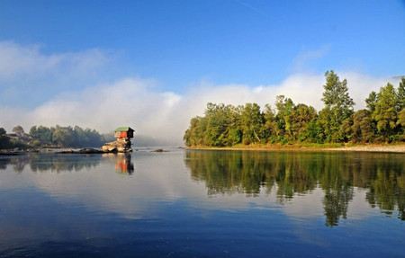 Домик на реке - идеальное место для уединения — фото 8