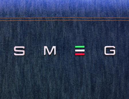 Джинсовый холодильник фирмы Smeg