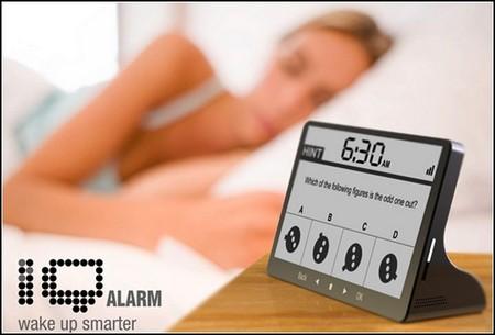 С будильником IQ Alarm Clock утро начинается с умственной деятельности