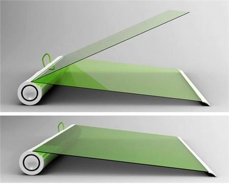 Состоит из двух листов: дисплея и сенсорной клавиатуры
