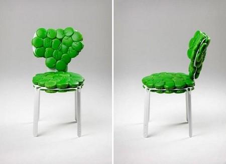 С модульными подушечками стул кажется весьма комфортным