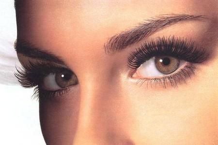 Семь модных вариантов макияжа в окраске ресниц — фото 1