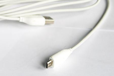 кабель USB входят в комплект Amazon Kindle 3