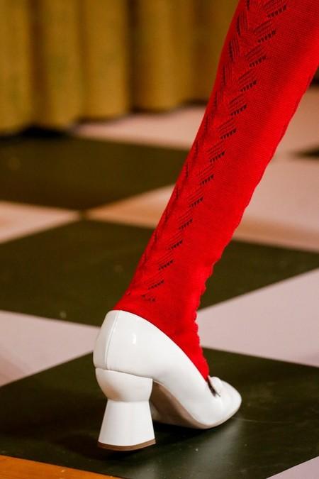 Туфли на толстом расклешённом каблуке в ретро стиле