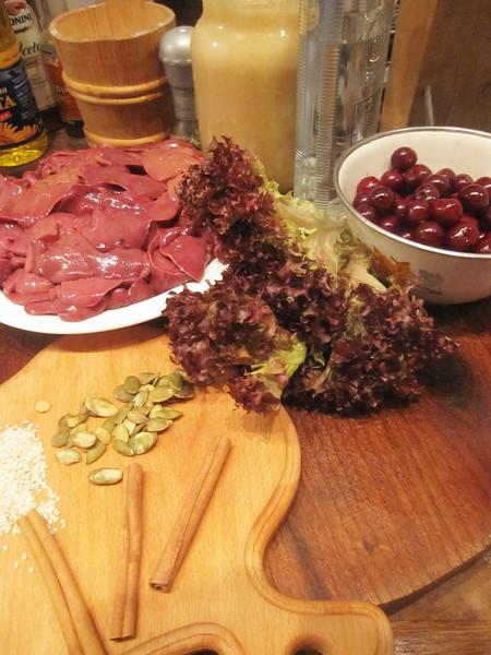 Романтическая печенка в вишневом соусе — фото 2