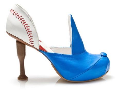 Вторая модель напоминает бейсболку