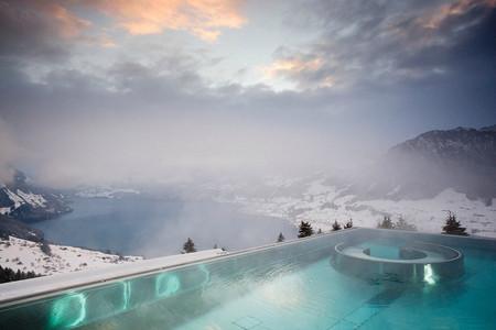 Бассейн в отеле Вилла Хонегг (Швейцария)