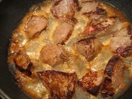 мясо с аппетитной корочкой
