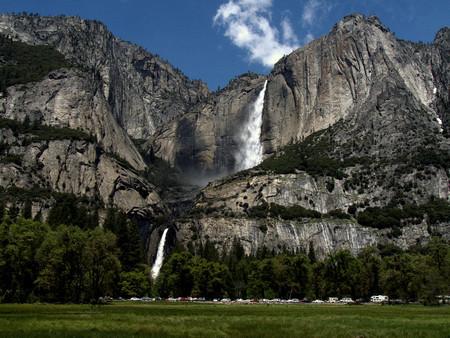 Высота Horsetail Falls 650 метров