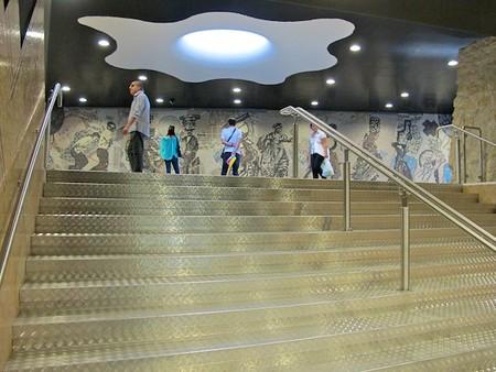 Стихия света и воды: Феерическая станция метро Toledo Metro Station — фото 7